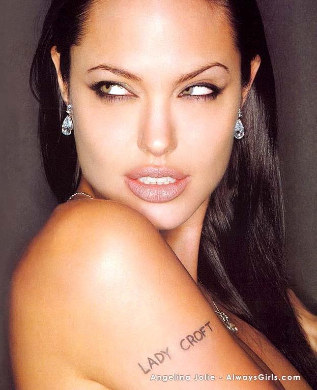 Angelina Jolie - HD Wallpapers Blog