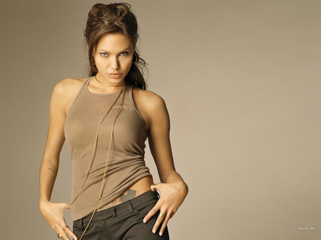 Angelina Jolie - 3 - [1024 x 768]